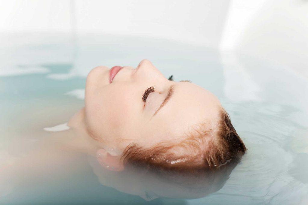 فوائد ملح إبسوم في الاسترخاء.. لتخفيف ألم الجسم والتخلص من التوتر