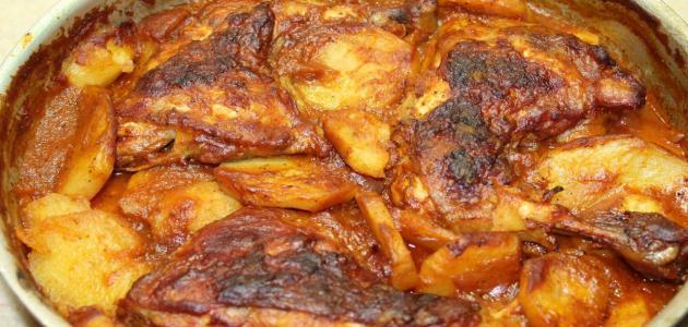 منيو سفرة زي القمر.. صينية بطاطس بالفراخ مع أرز بالخلطة
