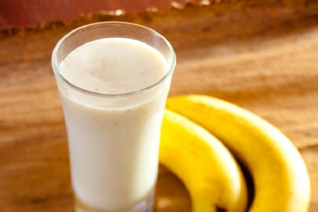 طريقة عمل عصير الموز بالحليب المغذي