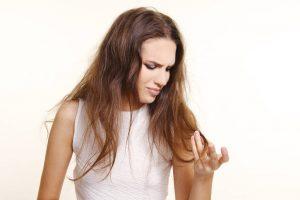وصفة زيت جوز الهند لعلاج تقصف وانقسام أطراف الشعر