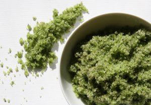 وصفة الشاي الأخضر لتقشير البشرة وتحفيز إنتاج الكولاجين