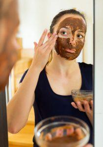 وصفة الكاكاو والقرفة للتخلص من حب الشباب في أسرع وقت
