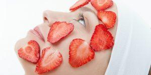 أفضل 13 وصفة طبيعية للعناية بالبشرة الدهنية