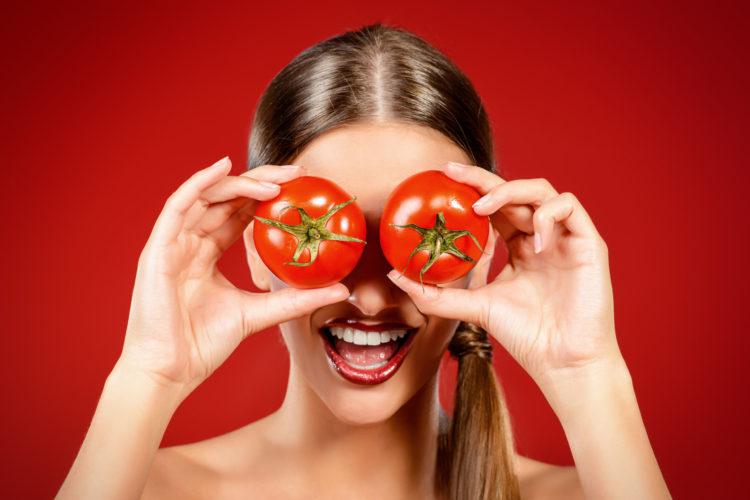 ماسك الطماطم لمحاربة الشيخوخة وحماية البشرة من الشمس