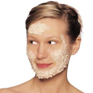 أفضل ماسك طبيعي لشد وترطيب البشرة الحساسة
