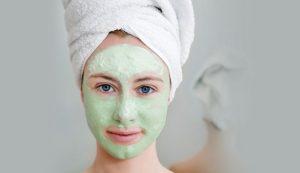 ماسك الزبادي والشاي الأخضر لتبييض البشرة والتخلص من البقع الداكنة