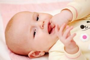 للأمهات.. هذه أعراض التسنين عند الأطفال