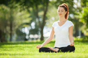 8 فوائد لليوجا أبرزها علاج الاكتئاب.. تعرفي عليها