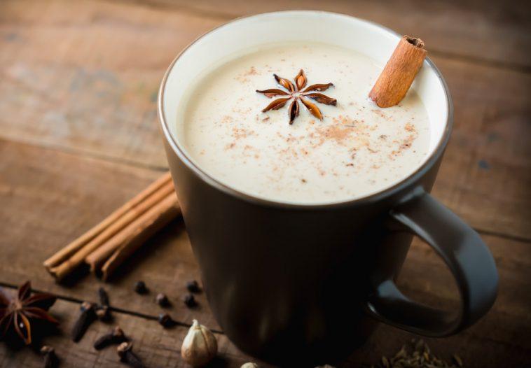 طريقة عمل مشروبات ساخنة لشتاء دافئ.. سهلة وبسيطة