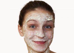ماسك الترمس والزبادي لتقشير البشرة وتنظيفها