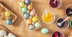 طريقة تلوين بيض شم النسيم بألوان الطعام