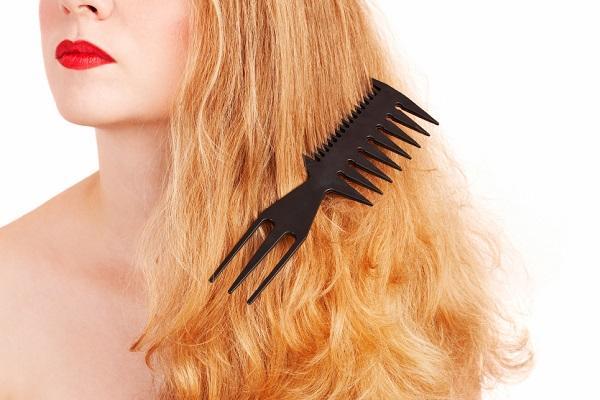 ماسك زيت السمسم لتنعيم الشعر المصبوغ شديد التقصف