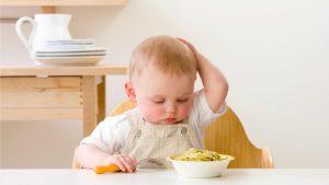 ماذا يأكل الطفل الرضيع في عمر سنة؟