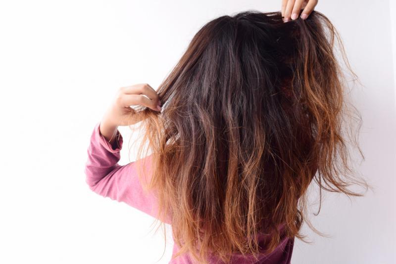 ماسك الزبادي والموز لعلاج الشعر المتقصف