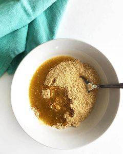 قناع الشوفان وعصير التفاح لتنظيف البشرة الدهنية